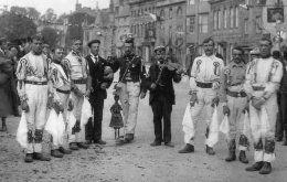 Chipping Campden Morris Dancers, photographed in 1896 by Henry Taunt, The Ring Photo Archive